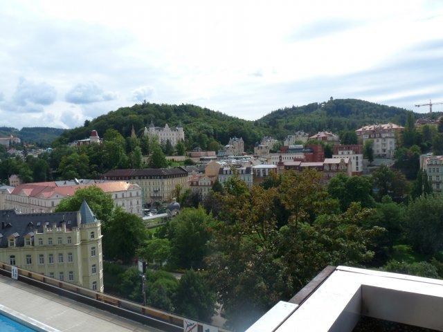 Вид на Карловы Вары из отеля Термаль, Чехия