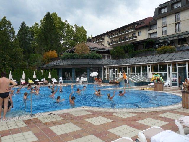 Аквааэробика в бассейне отеля Витариум