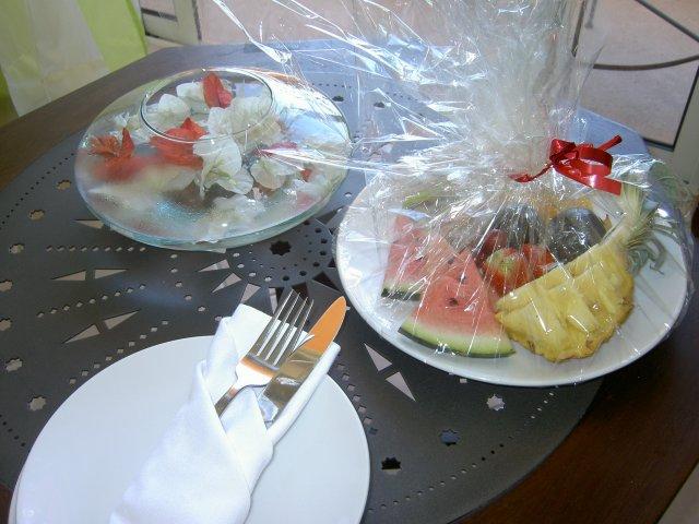 Тарелка фруктов в номере La Palmeraie 3*, Маврикий