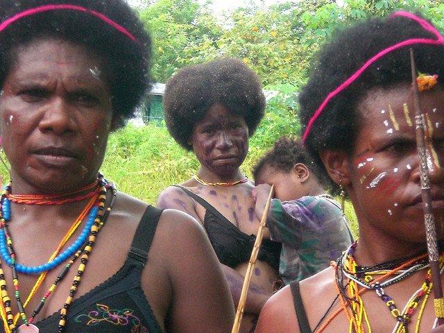 Женщины Папуа-Новой Гвинеи