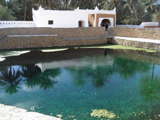 Бассейн в Гадамесе, Ливия