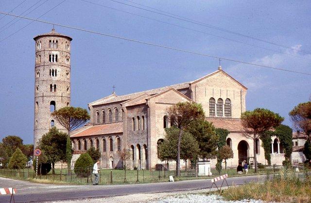 Базилика Сан-Аполлинаре в Равенне, италия