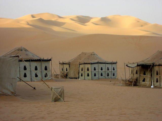 Туристический лагерь в Ливийской пустыне, Сахара
