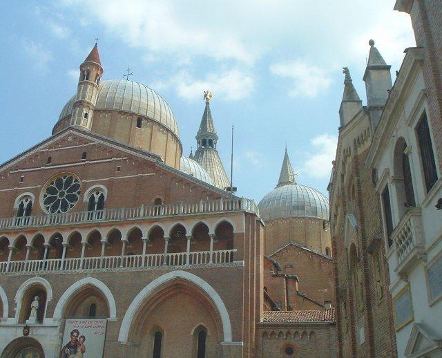 Базилика Святого Антония в Падуе, Италия