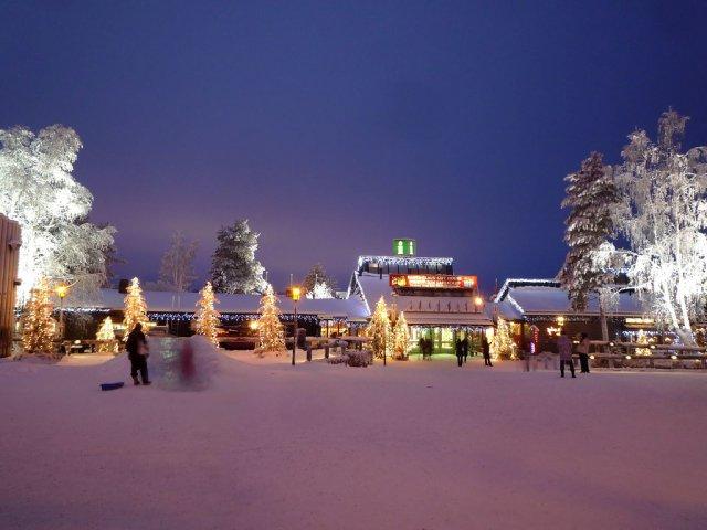 Деревня Санта-Клауса Йоулупукки, Рованиеми, Финляндия