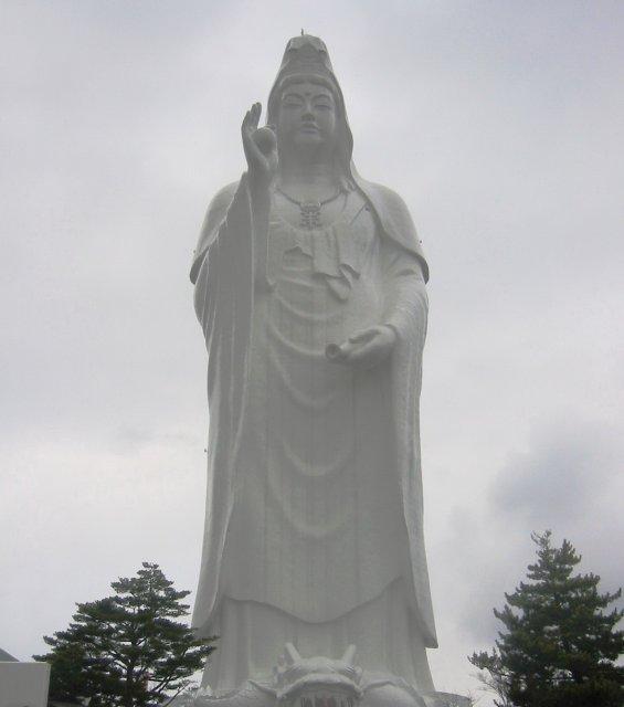 Статуя Будды - Сендай Дай Каннон, Япония