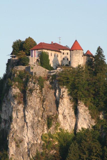 Замок Мастеров на озере Блед, Словения