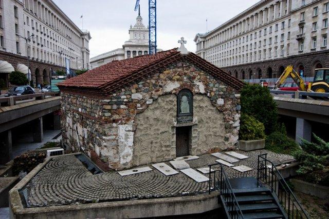 Церковь Света Петка Самарджийска в Софии, Болгария