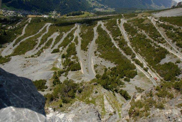 Знаменитая дорога в Стельвио, Италия