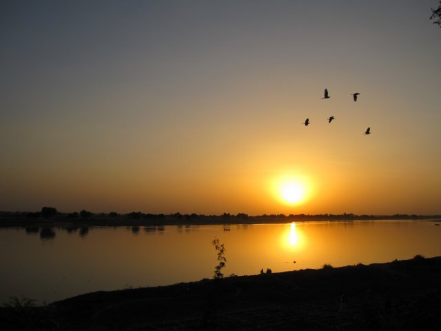 Закат, река Шари, Чад