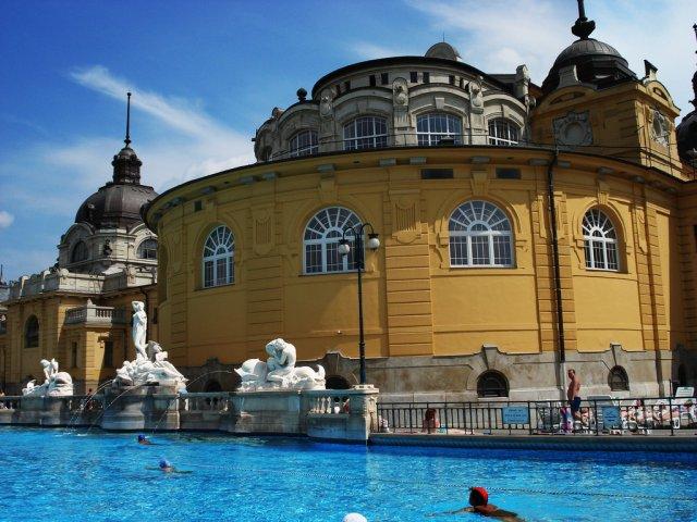 Купальня Сечени, Венгрия