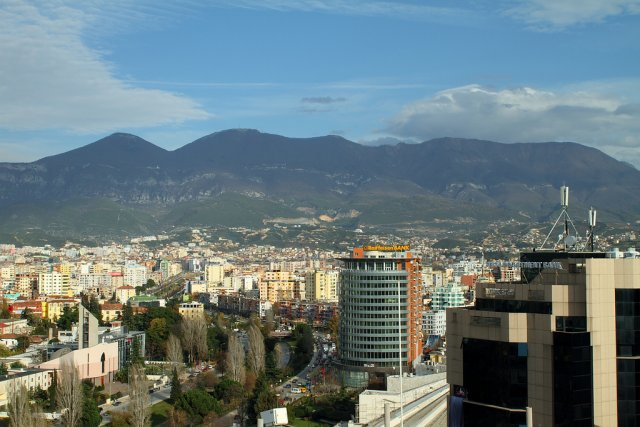 Город Тирана, Албания