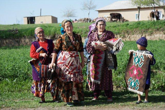 Местные жители Узбекистана