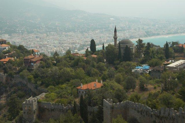 Стены Цитадели и вид на Аланью