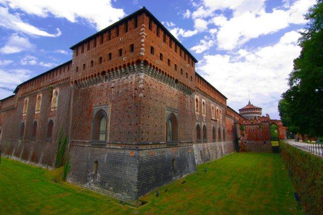 Замок Сфорцеско, Милан