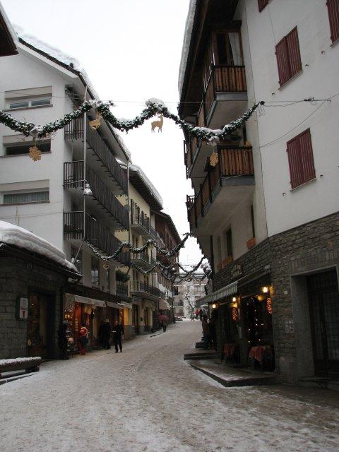 Улицы Курмайор, Италия
