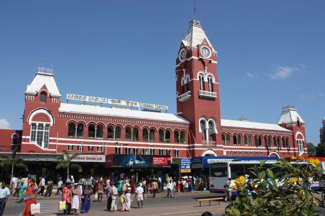 Железнодорожная станция в Ченнаи, Индия