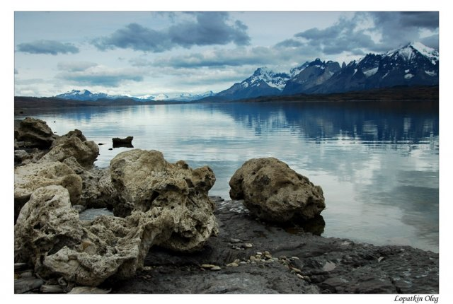 Озеро Sarmiento De Gamboa в спокойную погоду