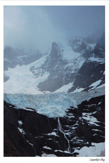 Вид на верхнюю часть ледника Glacier Del Frances