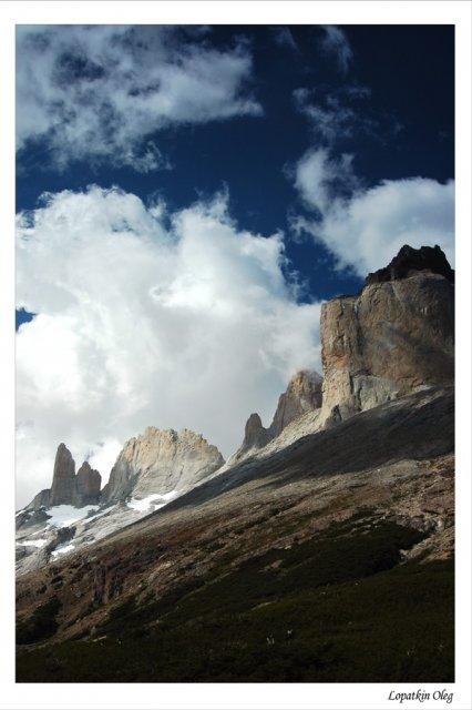 Гранитные столбы массива  Cuernos Del Paine