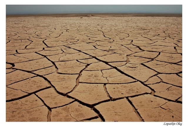 Пустыня по пути от Каламы в Икики