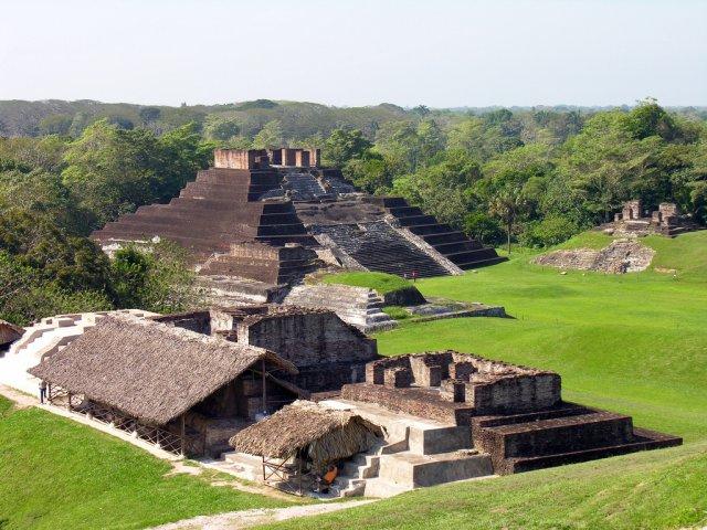 Комалькалько, Мексика