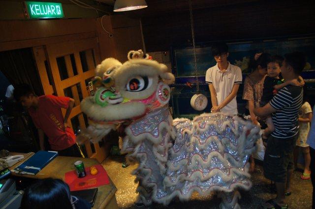 Lion dance в японском ресторане Unkaizan, Лангкави