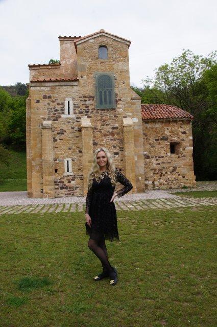 Церковь Сан-Мигель-де-Лильо (San Miguel de Lillo), Испания