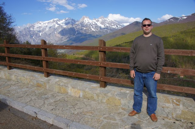 Обзорная площадка с видом на вершины Пики Европы