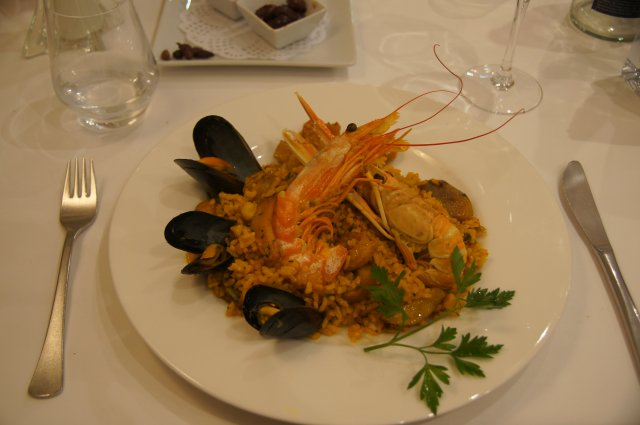 Паэлья - валенсианское блюдо