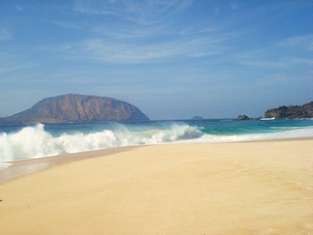 Ппляж La Concha, признан одним из десять самых красивых в Европе