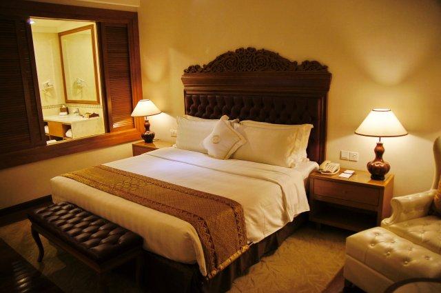 Номер в отеле Royal Chulan 5*, Куала-Лумпур