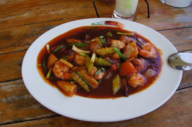 Креветки с запечеными овощами в сладком соусе