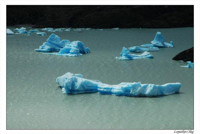 Айсберги на озере Gray