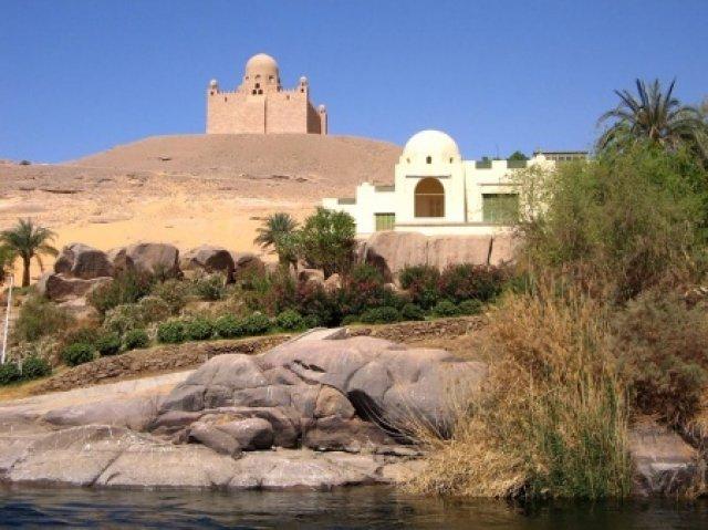Дворец и мавзолей Ага-Хана, круиз по Нилу, Египет