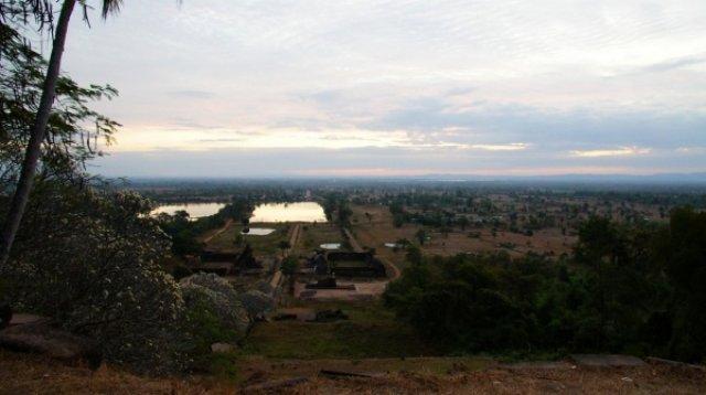 Храм Ват Фу - рассвет