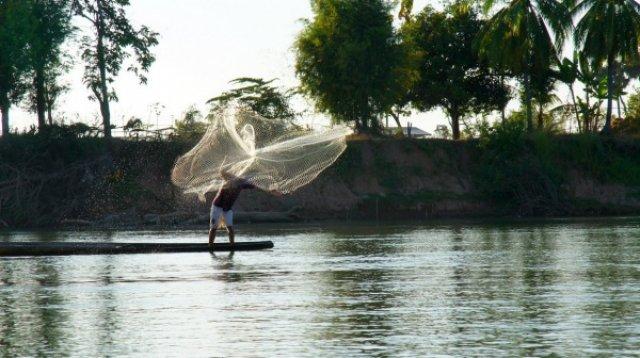 Рыбак на Меконге