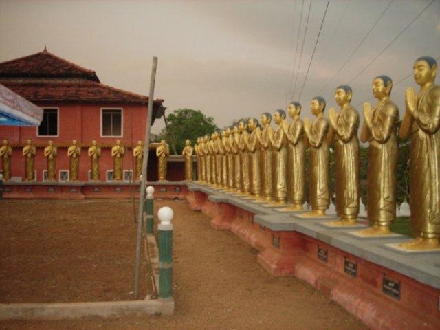 Буддиские монахи Сигирии, Шри-Ланка