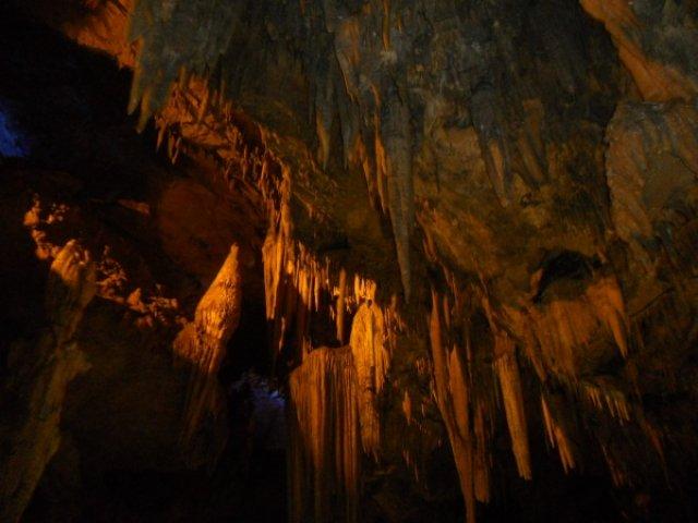 Сталактиты в пещере Бэньси, Китай