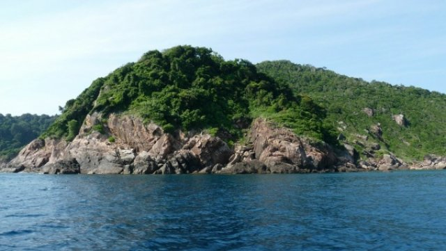 У таких островков мы останавливались на снорклинг