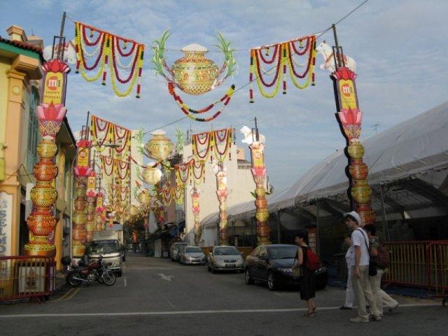 Улица украшена к новому году, Сингапур