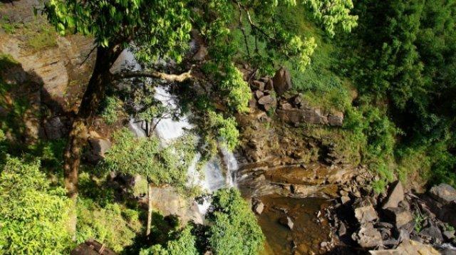 Около этого водопада мы жили 2 дня