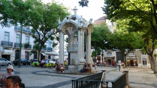 Лиссабон: площадь на Верхней Байше