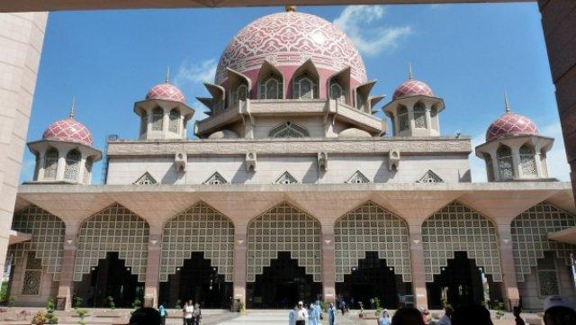 Мечеть в Путраджайе
