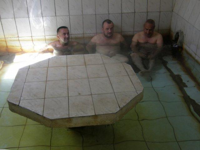 Смываем афганскую пыль, источник Боржоми