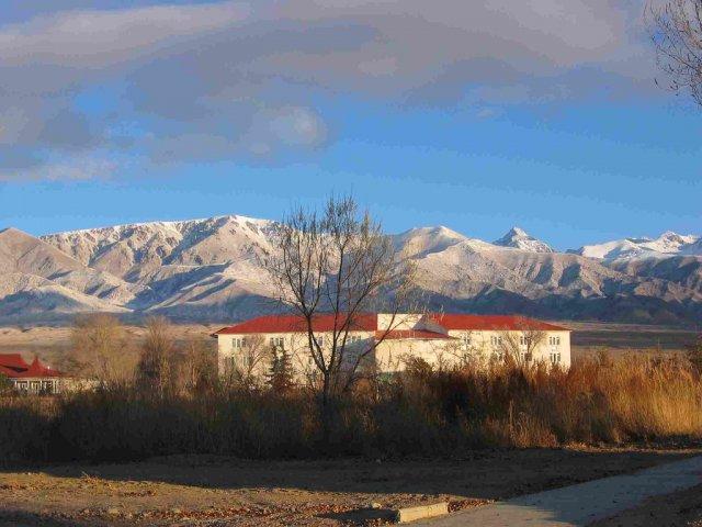 Горы вокруг озера Иссык-Куль, Киргизия