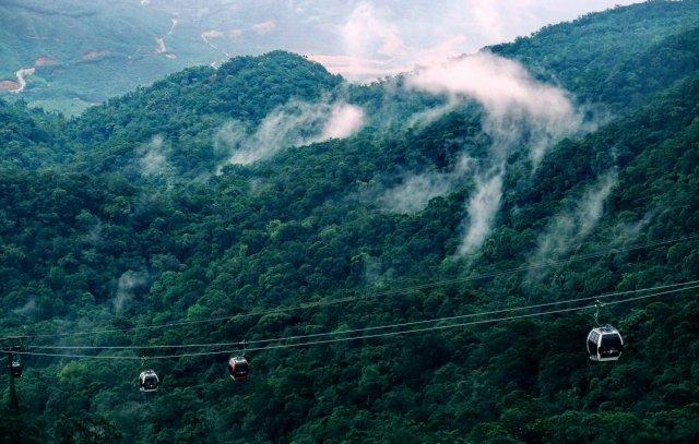 Канатная дорога и гора Бана, Дананг