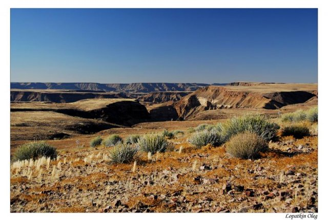 Местность вокруг Fish river canyon