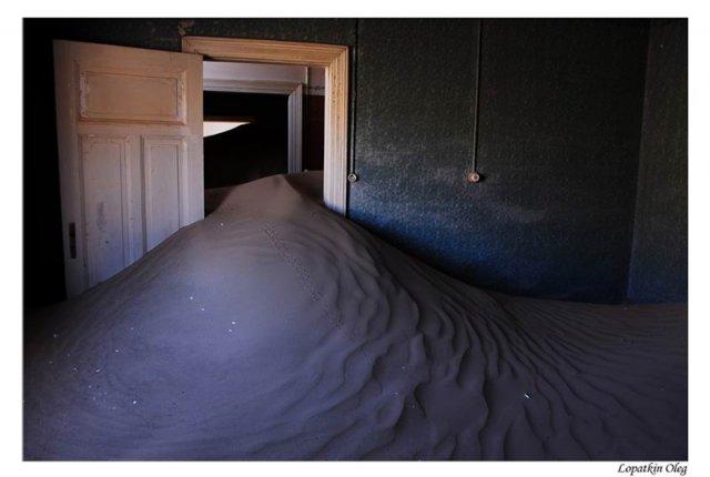 Kolmanskop (заброшенный город искателей алмазов, расположенный под Luderitz)