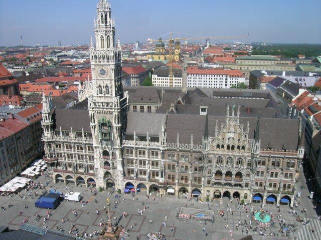 Городская Ратуша, Дрезден